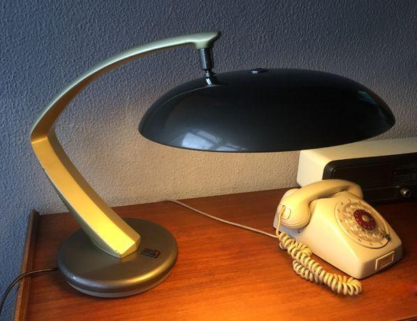 Candeeiro de mesa FASE modelo Boomerang 64 década 1960