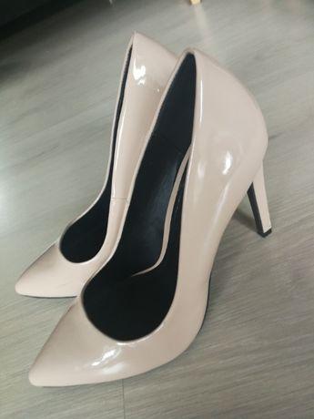 Buty na obcasie rozmiar 40