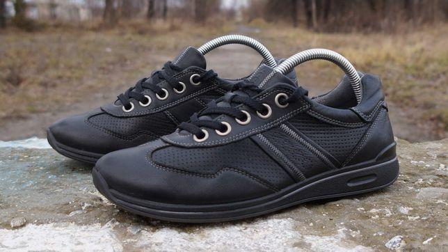Шкіряні кросівки ECCO