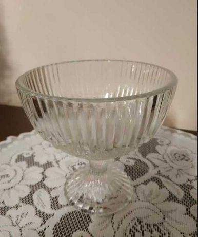Cukiernica szklana / puchar do lodów