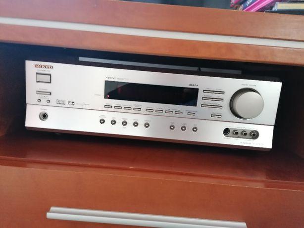 Amplituner Onkyo TX-SR500E Odtwarzacz DVD Onkyo DV-SP500