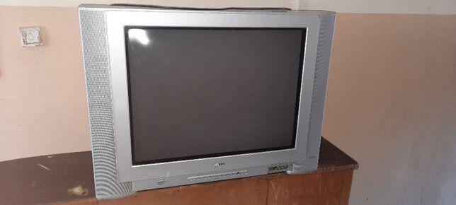 Telewizor kolorowy LG + pilot