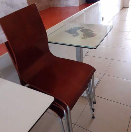 Mesas e cadeiras Bar