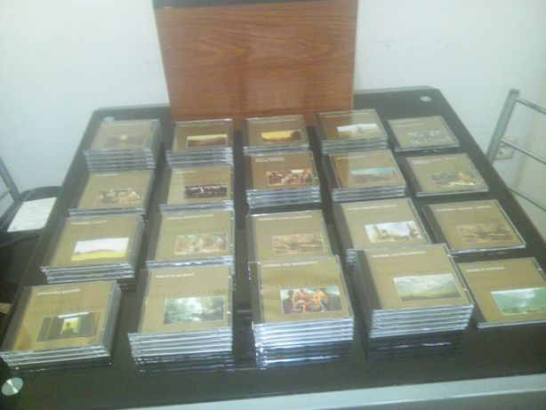 Lote 64 CDs classic Masters + arquivador