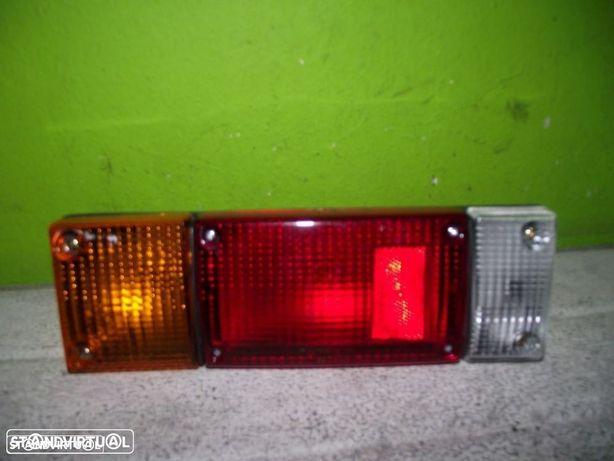 PEÇAS AUTO - VARIAS - Nissan D21  - Farolim de Trás Esquerdo - FR893