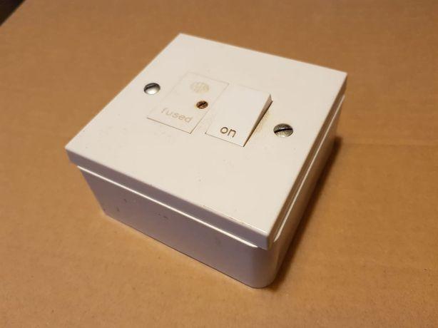 Włącznik z bezpiecznikiem 250V prod. angielska