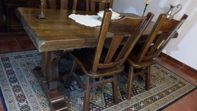 Mesa e cadeiras carvalho