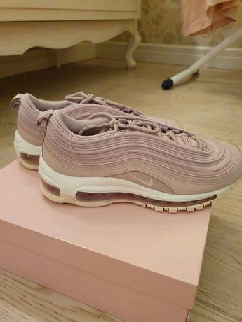 Кроссовки  для девушки,девочки. Фирма Nike. Оригинал.