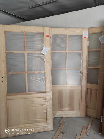 Drzwi drewniane bezsęczne