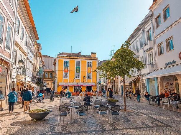 Café Pastelaria para trespasse zona nobre de Aveiro