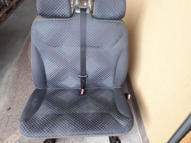 Fotel kierowcy  ławka trafic vivaro 2007r