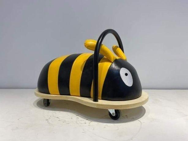 Pszczółka Jeździk na kółeczkach Whelly Bug