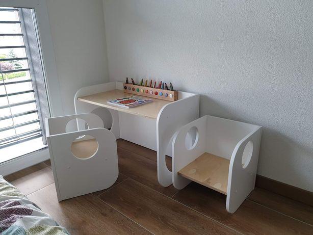 Stolik + 2 krzesełka rosnące z dzieckiem. Biurko Montessori