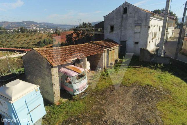 Grande Moradia Isolada p/ Recuperar   Apenas a 7Km de Coimbra   Terren