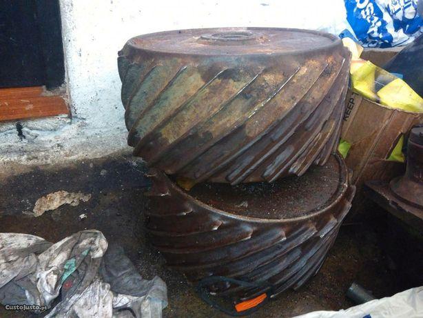 Rolos de descasque de madeira