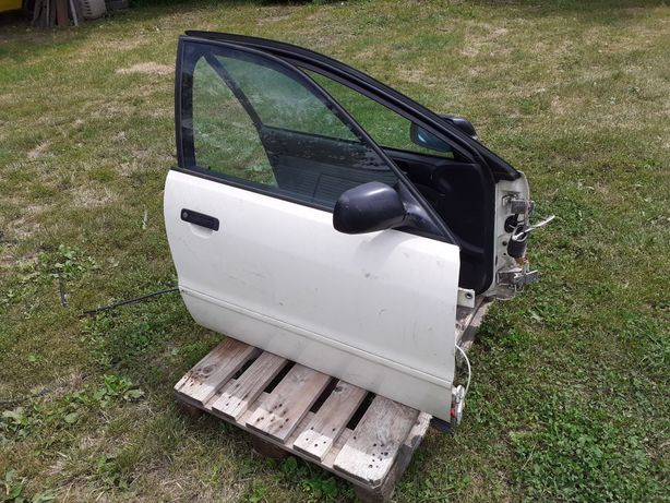 А4 капот двері бампер радіатори сидіня