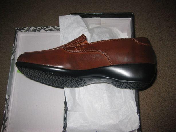 Sapatos Unisexo/Tamanhos 35 ao 39/Novos e Embalados!