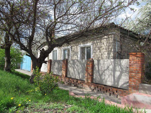 Продам дом в г. Купянске недалеко от центра