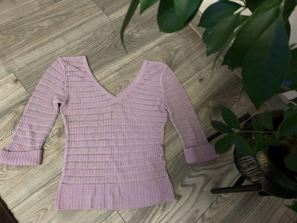 Top liliowy bluzka półprzezroczysta z dekoltem V i metaliczną nitką