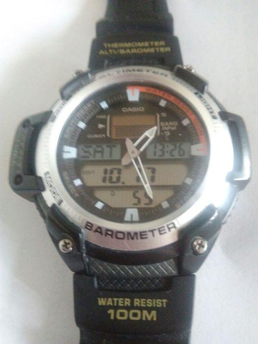 Zegarek Casio - termometr, barometr, wysokościomierz. Przemyśl - image 1