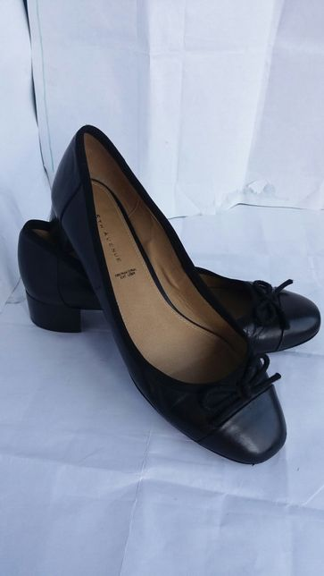 Кожаные туфли р.42 разные фирменные