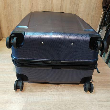 Срочный ремонт чемоданов дорожных сумок