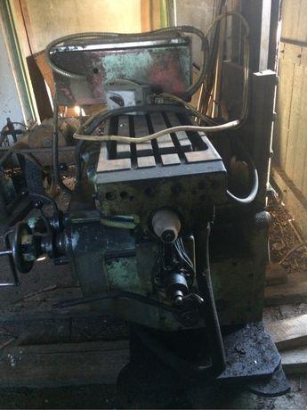 Консоль фрезерного станка 6н81 с поворотным столом