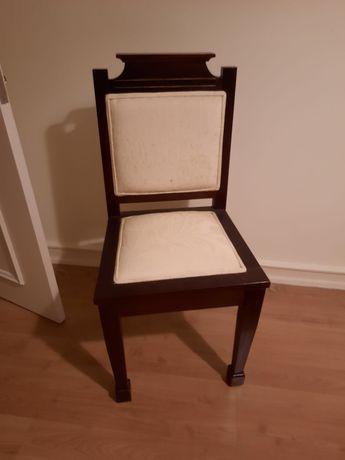 Cadeira em mogno estilo Dona Maria