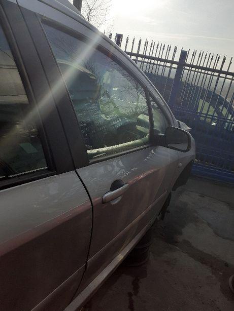 Drzwi prawy przód Peugeot 307 1,6 2004 // EZRC