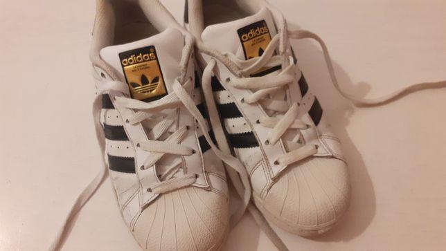 Ténis adidas Superstar 35 1/2
