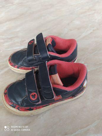 Шкіряні кросівки Adidas дитячі