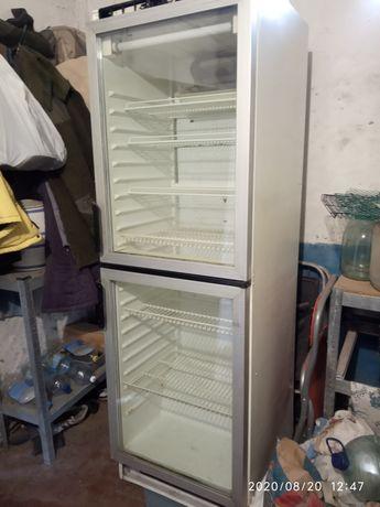Холодильный шкаф, витрина.