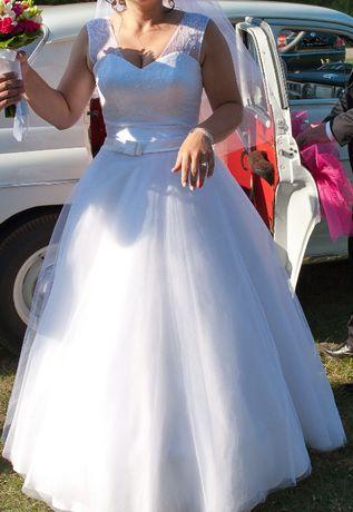 biała suknia ślubna r. 38-40 efektowna