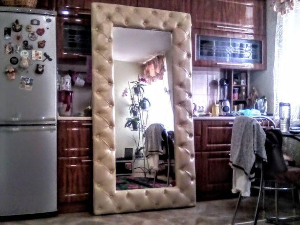 Зеркало в каретной стяжке в рост