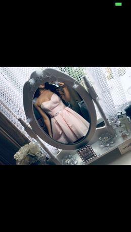 Sukienka różowa z paskiem z diamencikami