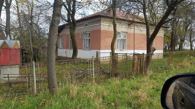 Будинок з землею в Галичі