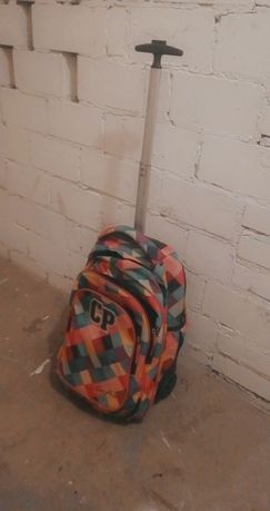Plecak na kółkach