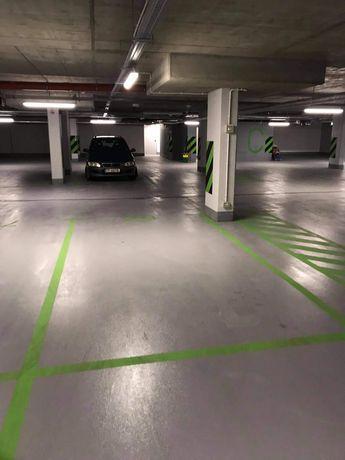Wynajmę podziemne miejsce parkingowe / Warszawski Świt