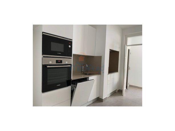 Apartamento T2 em REMODELAÇÃO TOTAL, no centro de Odivelas.