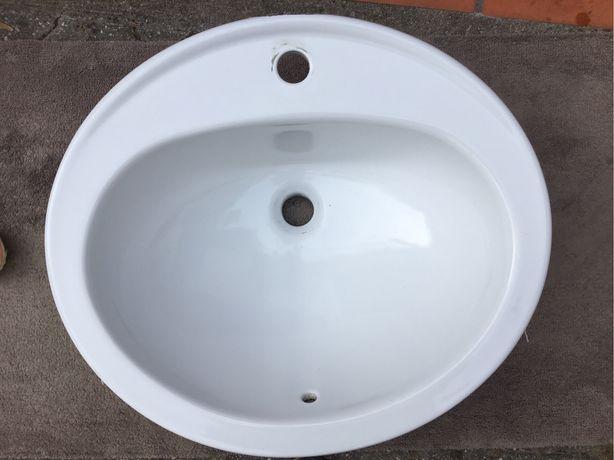 Lavatorio para móvel de WC.