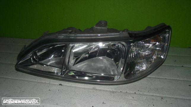 PEÇAS AUTO - VÁRIAS - Honda Accord - Farol Direito - F590