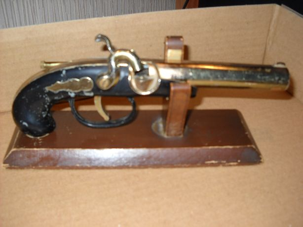 зажигалка пистолет ссср на подставке