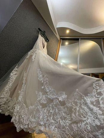 свадебное платье для принцесы со вкусом_рыбка_шлейф_4500