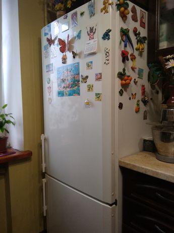 Продам свой холодильник LIEBNERR