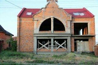 Продається цегляний будинок недобуд. вул.Мічуріна р-он Краснодонців