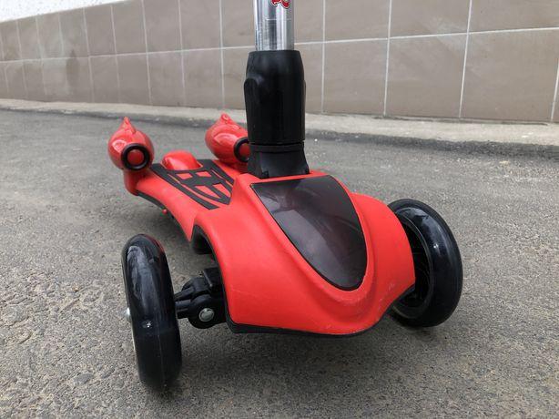 Самокат с дымом музыкой Bluetooth Scooter
