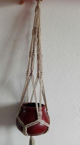 Kwietnik ze sznurka