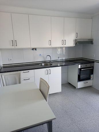 Apartamento T2 Antas - 2 varandas