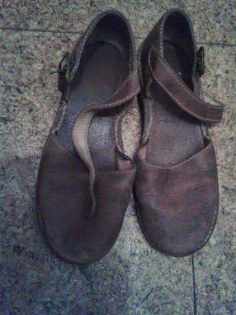 Sandálias couro
