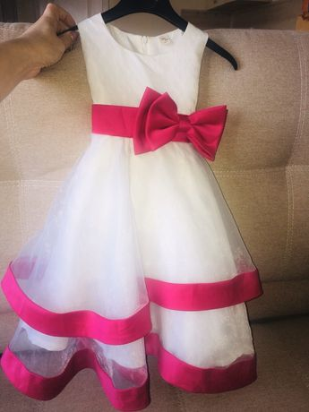 Платье на девочку 4 - 6 лет